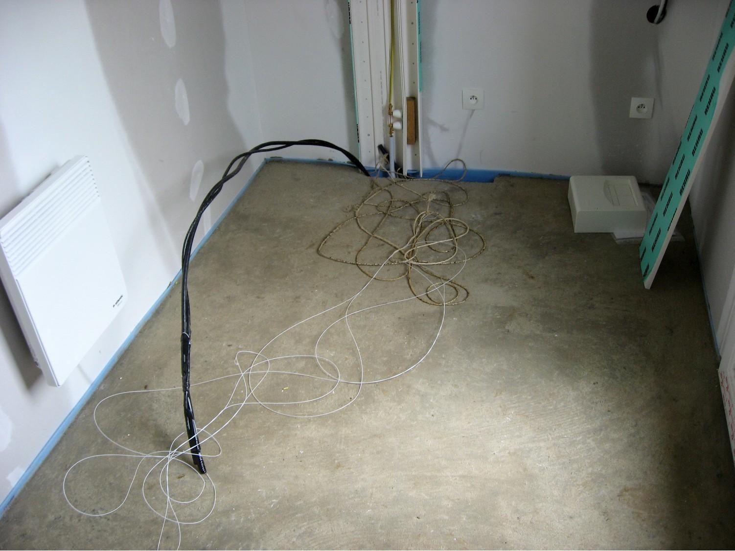 Raccordement du câble sur le réseau aérien le raccordement se fait à laide de cosse à broches qui se brochent dans les câbles lorsquelles sont serrées