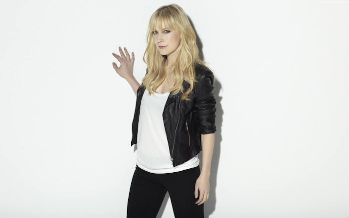 Beth Riesgraf HD Wallpaper -04