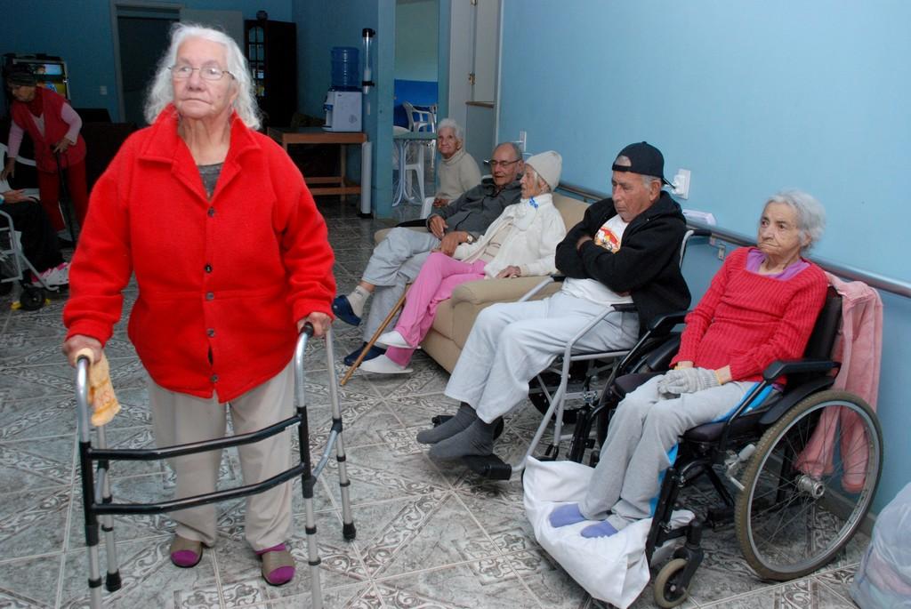 Com uma equipe bem treinada de profissionais qualificados, a casa de repouso Lar Feliz Casa Evangélica para Idosos possui atualmente 18 residentes