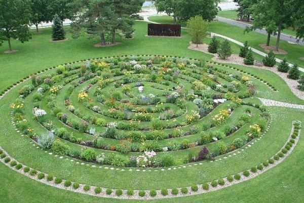 Mandala Madness: Some Cool Mandala Gardens
