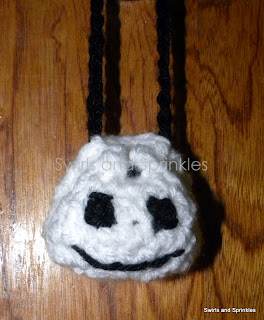 Swirls an Sprinkles: Free crochet halloween treat bag pattern