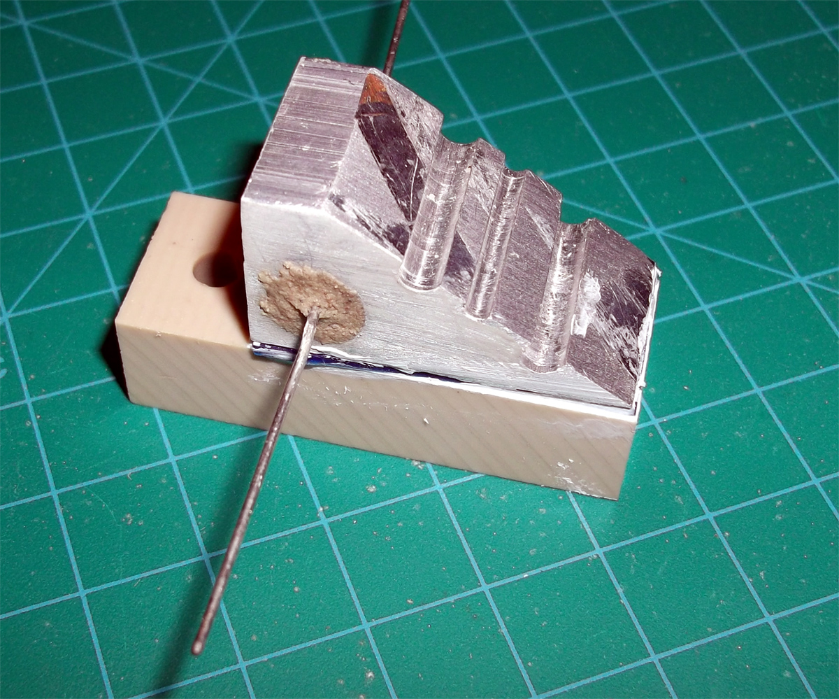 Filament_joiner_block_with_resistor_and_