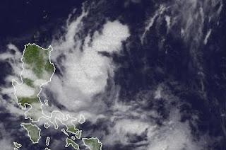 Tropischer Sturm DOKSURI (DINDO) auf Weg nach Hong Kong erreicht Luzon, Philippinen, Doksuri, Dindo, Taifunsaison 2012, aktuell, Philippinen, Hongkong, Juni, 2012, Satellitenbild Satellitenbilder, Sturmwarnung, Vorhersage Forecast Prognose,