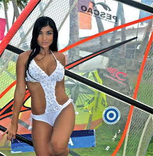 Katherin Gomez Modelo Colombiana Chica Car Audio