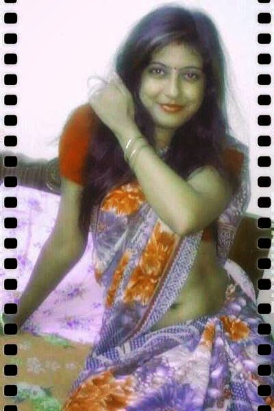 Desi Bhabhis in Sarees indianudesi.com