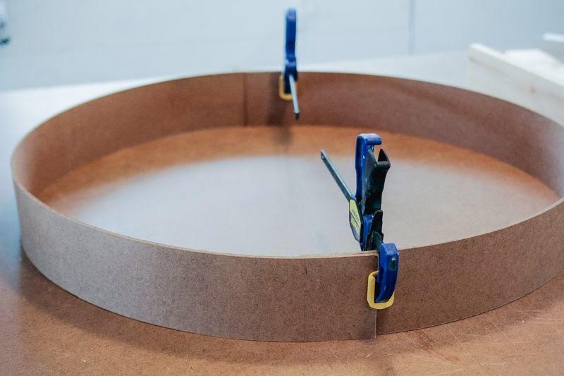 Regal im Mid-Century Design zum Selbermachen - Tipp zur schmucken Dekoration