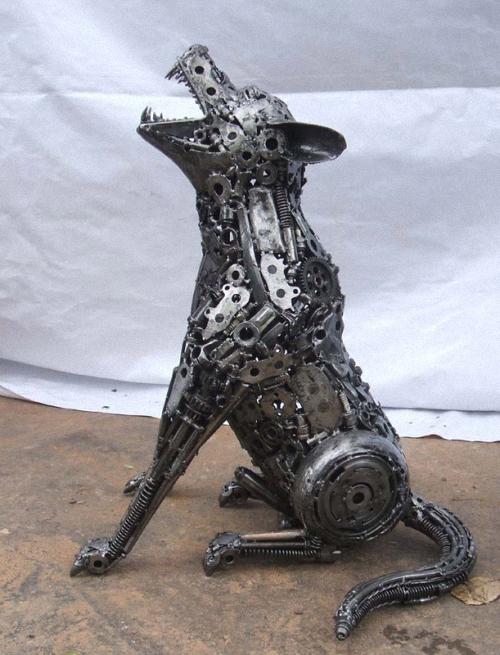 7b-Small-Animal-Sculpture-Wolf-2-Giganten-Aus-Stahl