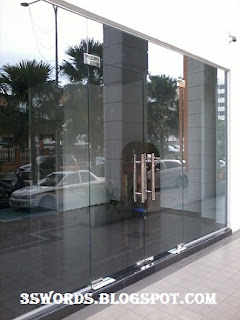 Tempered Glass Panel Wall For Shop Front