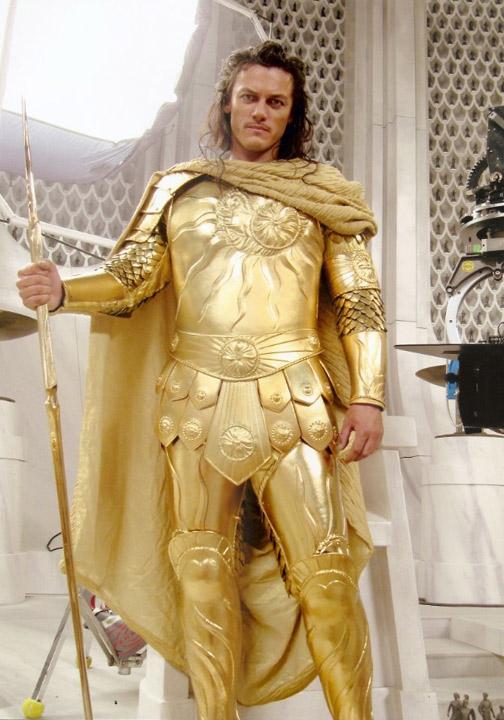 PEPLUM TV: Fututre PEPLUM Star: Luke Evans  Clash Of The Titans 2017 Gods