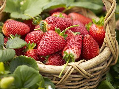 Manfaat Buah Strawberry