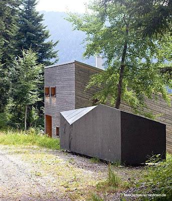 Construcción adicional junto a la cabaña