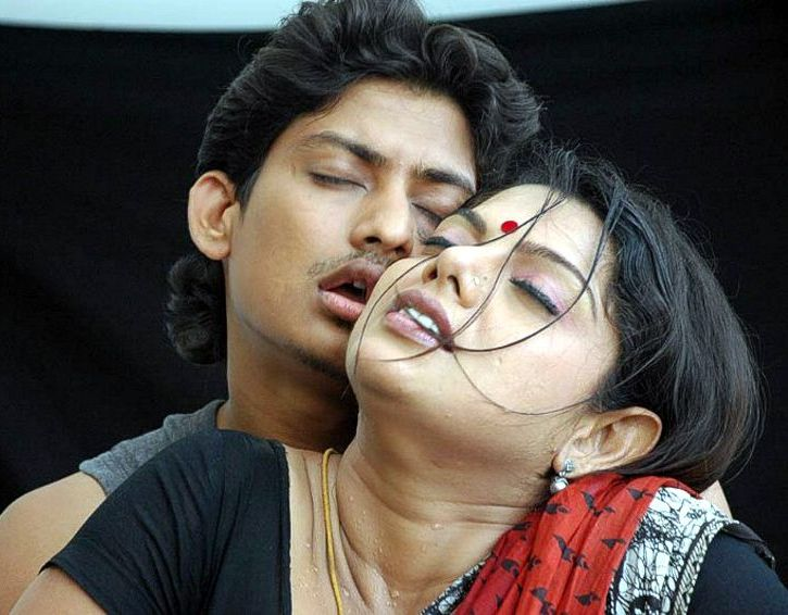 Hottest Kamapichachi Actress Scene In Recent Times From A Telugu Movie