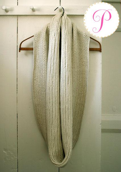 Knitting Pattern Herringbone Scarf : Purl Bees Big Herringbone Cowl - iKNITS