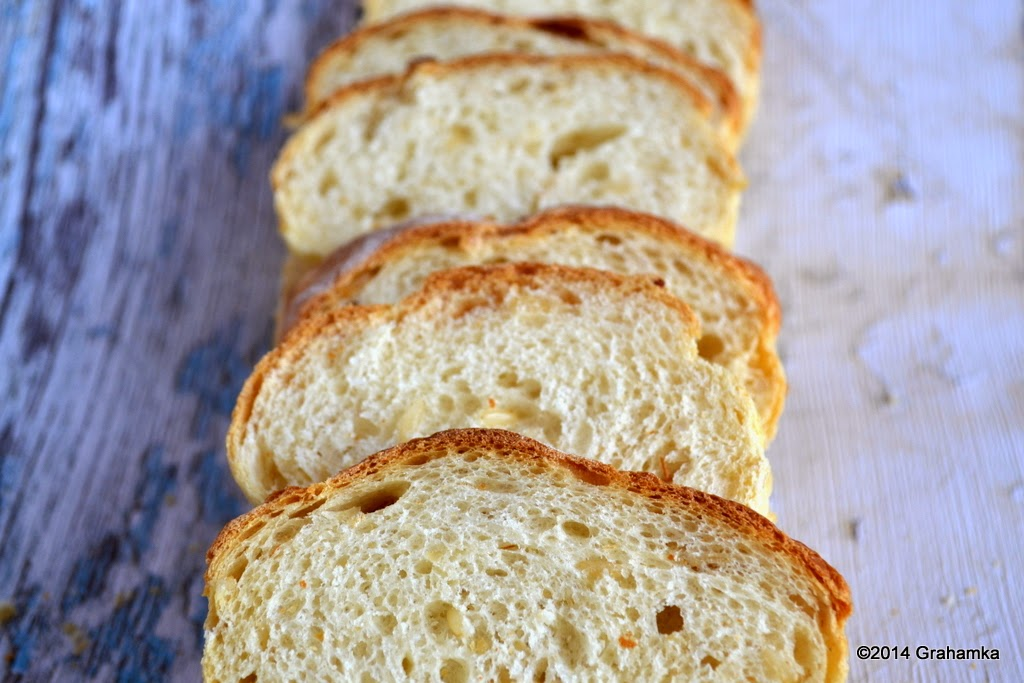 Pokrojony chleb.
