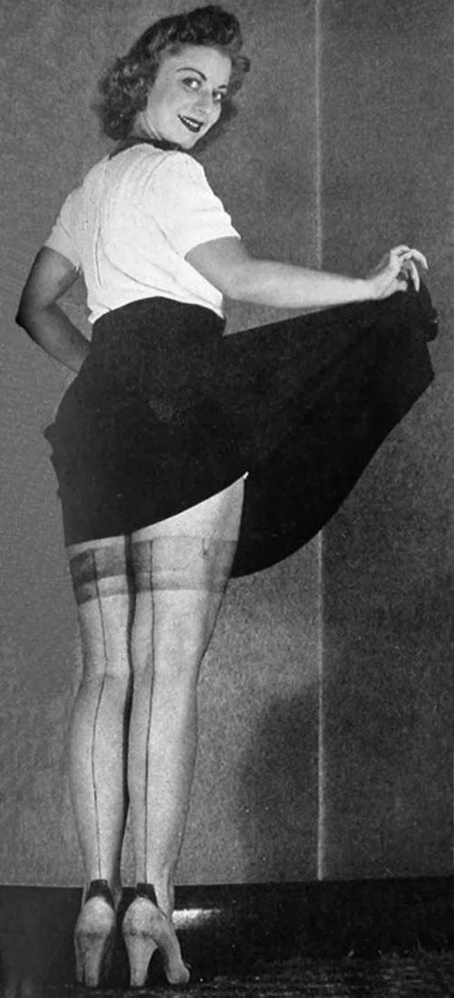 vintage everyday: Sexy Legs, 1940s