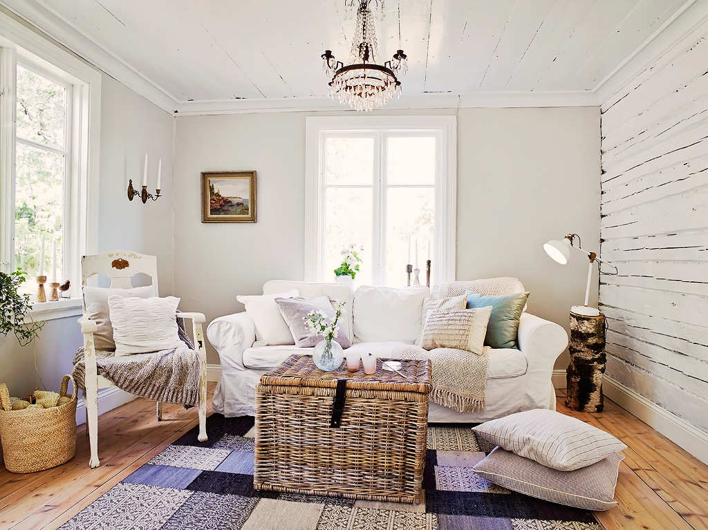 A joyful cottage living large in small spaces swedish - Decoracion estilo shabby chic ...