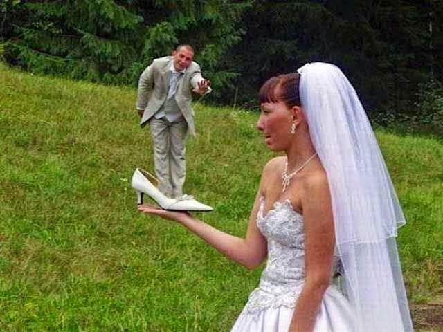 Most Bizarre Wedding Fun Caught on Camera (42 Pictures)