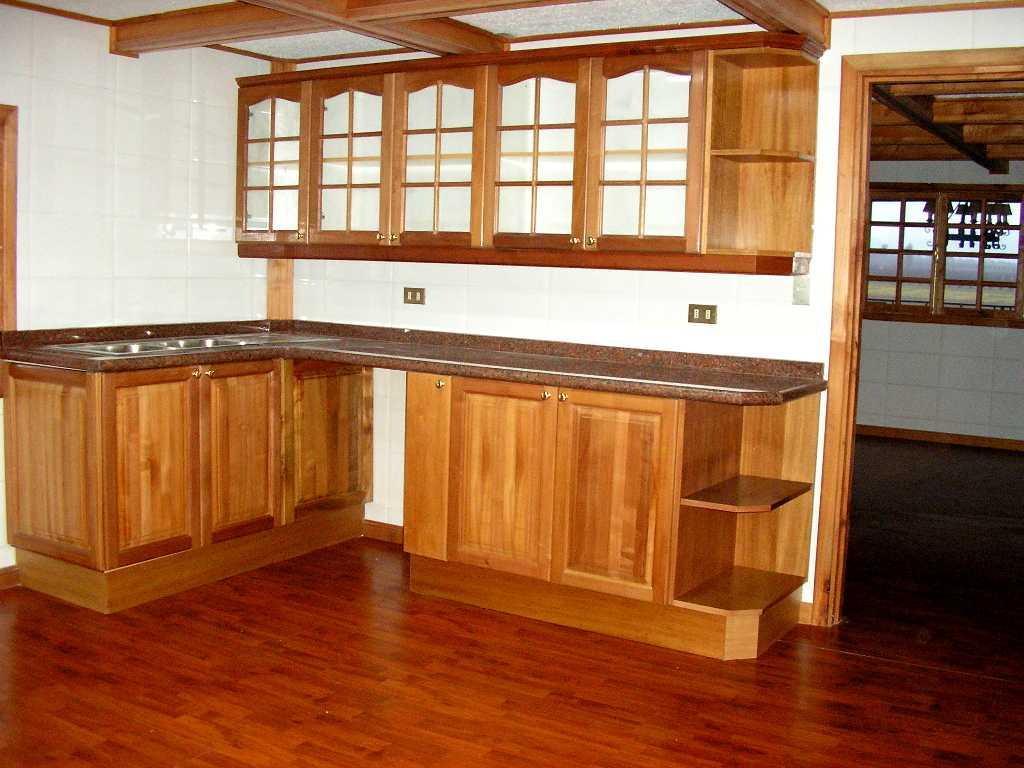 Expo cocinas marrero galer a de cocinas for Bar de madera persa bio bio