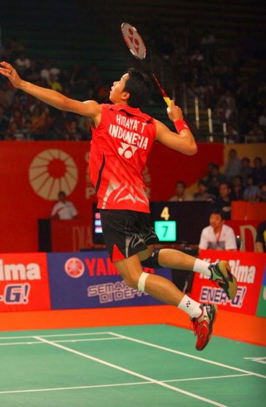 http://tutorialolahraga1.blogspot.com/2015/04/cara-melakukan-smash-bulutangkis.html