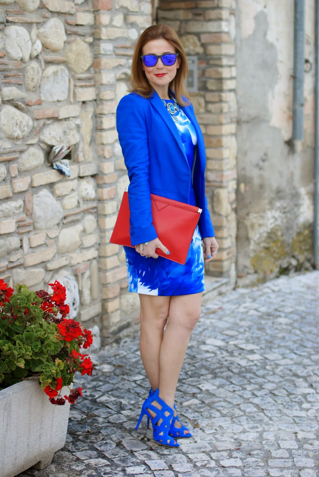 Red zara clutch, blackfive dress, Oakley blue mirror sunglasses, Fashion and Cookies, fashion blogger