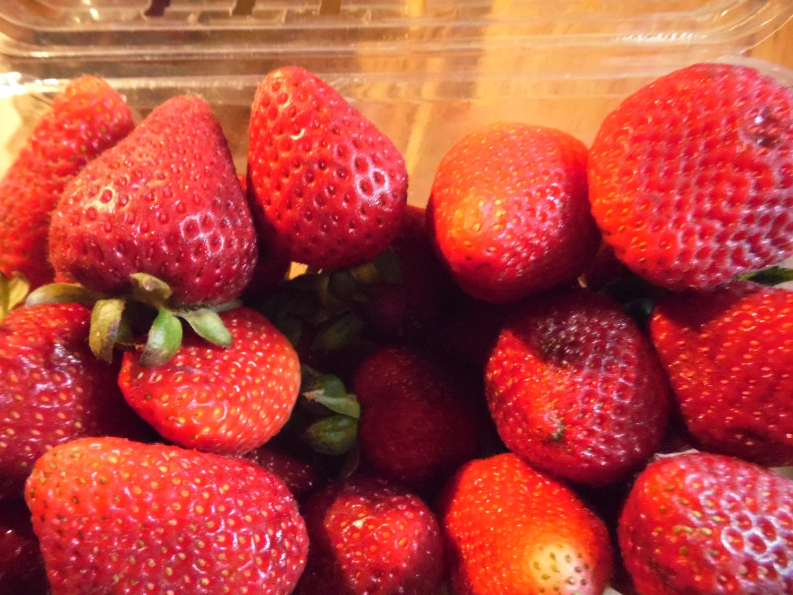 Preserving Strawberries by Freezing Freezing Strawberries