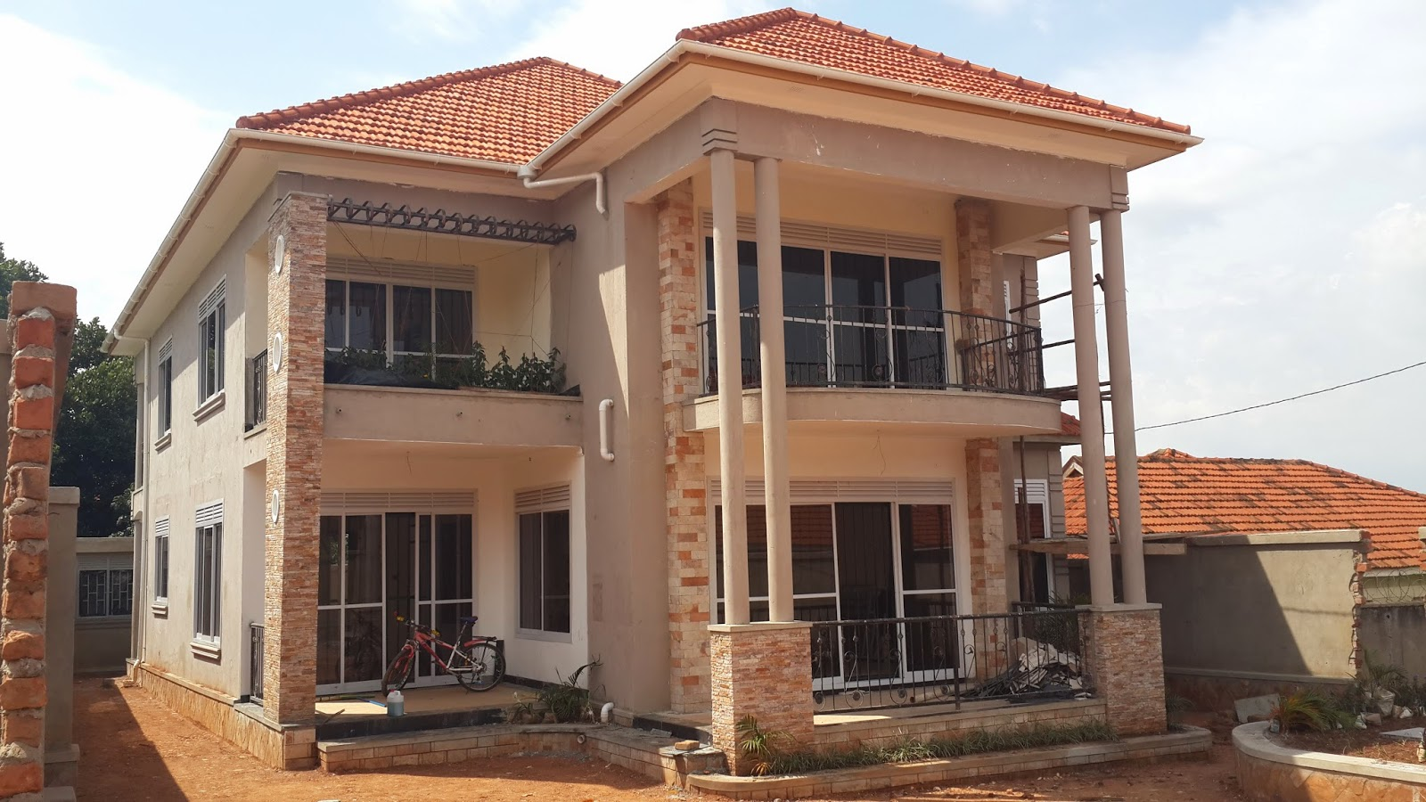 Naalya kampala uganda house for sale asking price ugx 650m 4 bedroom 4 5 bathrooms scheduled to be completed end september