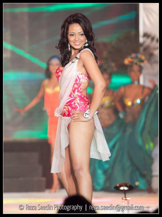 Miss Sri Lankan Bikini pictures