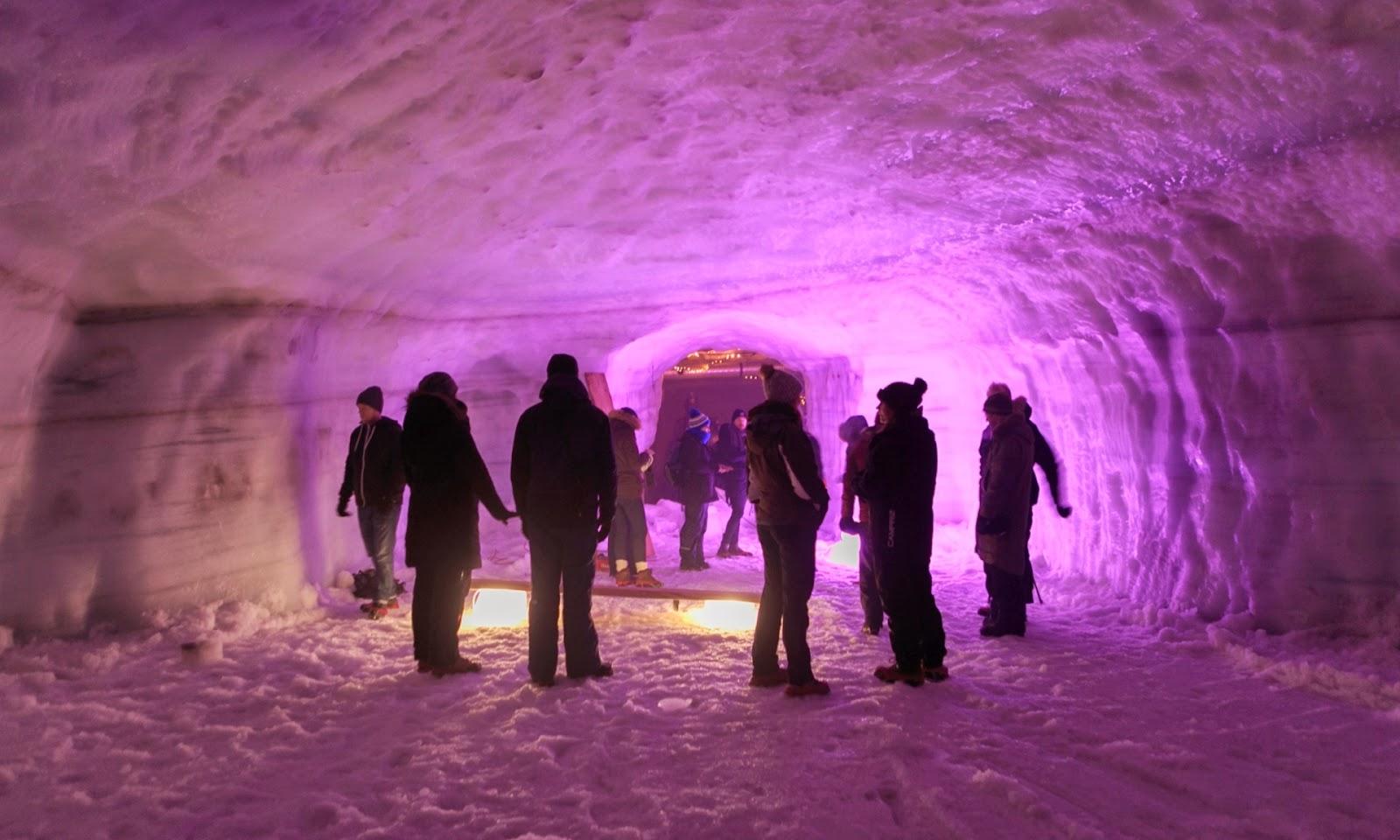 Icecave Islandia – Cuevas de hielo en Langjökull – Excursiones y tours en una cueva de hielo en Islandia