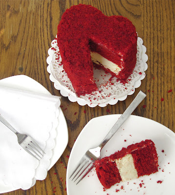http://blog.dollhousebakeshoppe.com/2012/02/mini-6-red-velvet-cheesecake-layer-cake.html