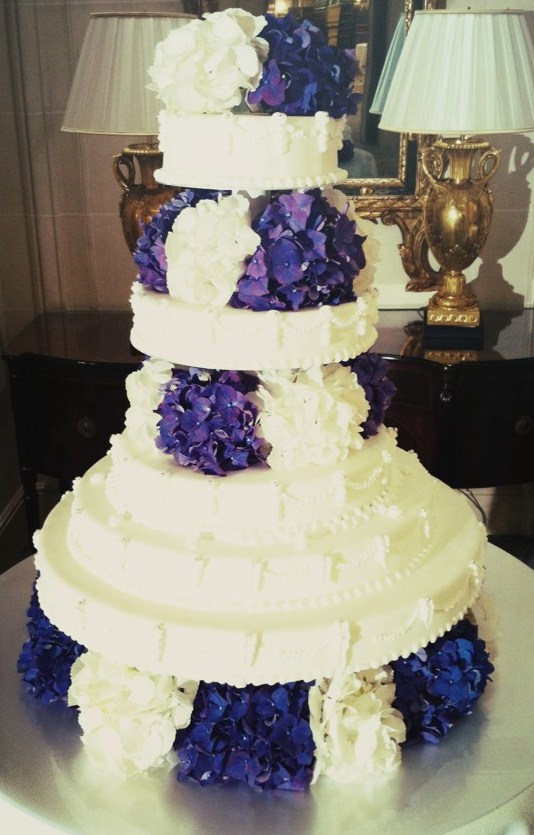 Beautiful wedding cake done at the hotel Four Seasons Paris yfrogcom z