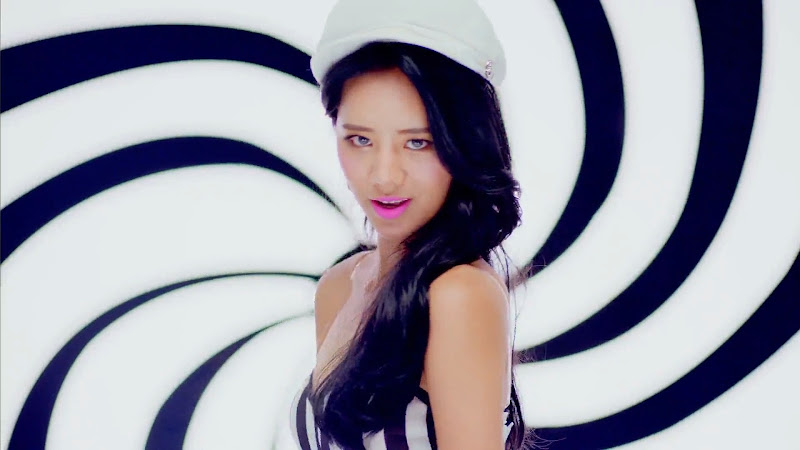 Hyeri Girl's Day Ring My Bell