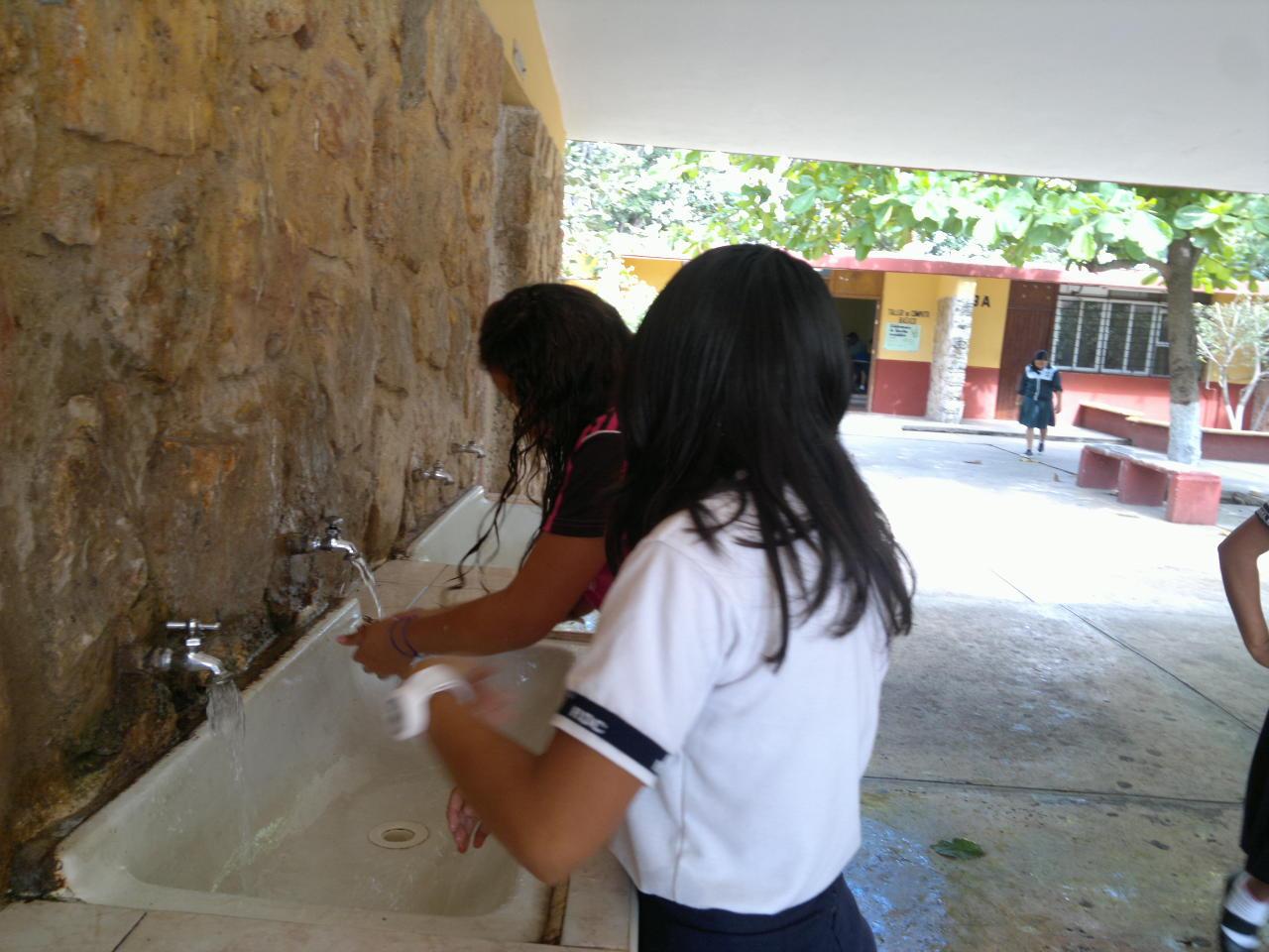 Marijoseinforma for Llave tirando agua