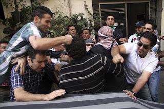 Al menos 10 muertos por disparos de leales al régimen en Siria