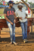 varun tej mukunda working stills-thumbnail-5