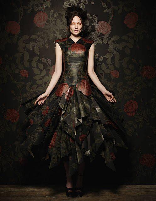 Paper fashion dresses | Futuristic style - Damian Foxe