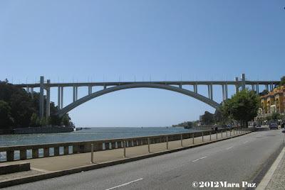 Ponte da Arrabida, entre Porto e Gaia