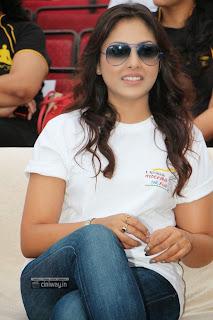 -Madhu-Shalini-Stills-at-Hyderabad-10k-Run