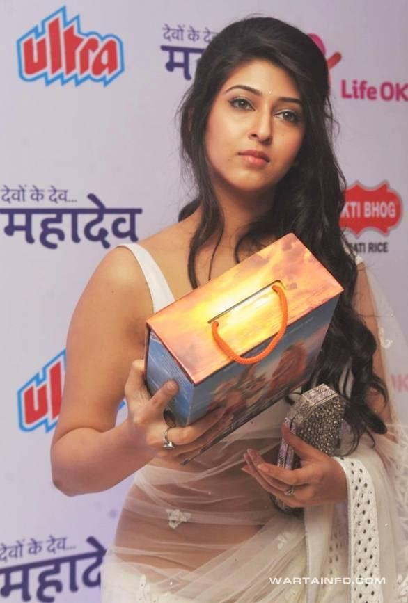 Photo hot seksi pusar Sonarika Bhadoria Artis Pemeran Dewi Parwati di Mahadewa