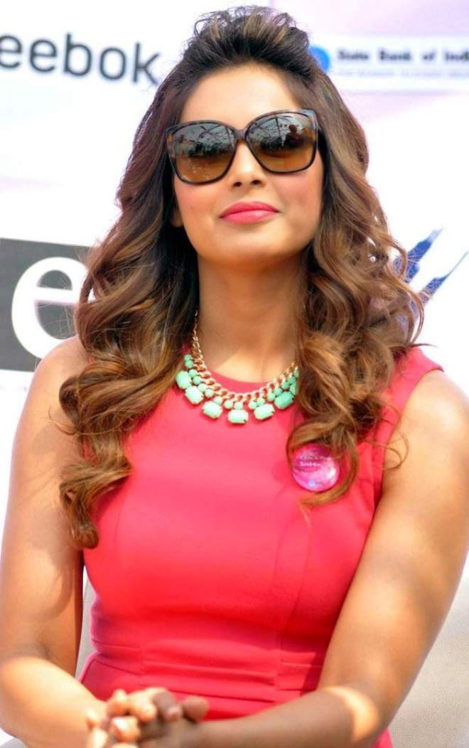 bipasha basu hot latest new photos