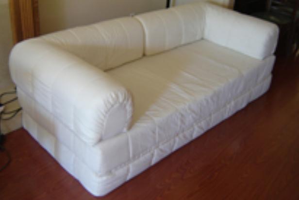 Como decorar una cama somier for Reciclar una cama de madera
