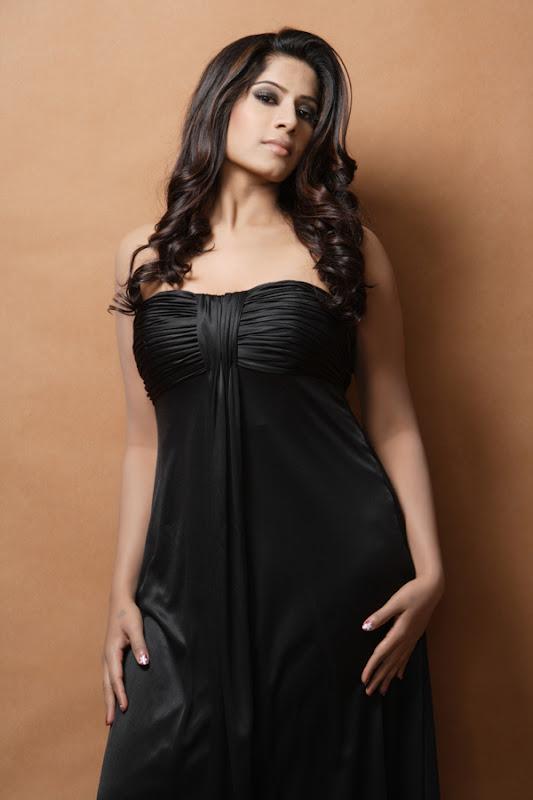 Actress Meenal Stills Gallery unseen pics