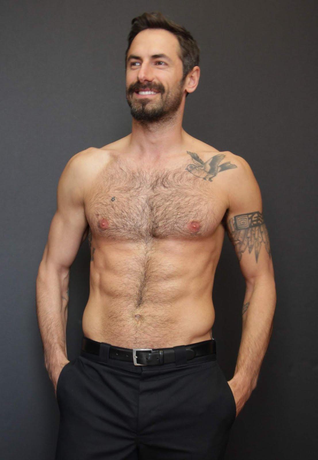 foto de Shirtless Men On The Blog: Josh Wald Shirtless