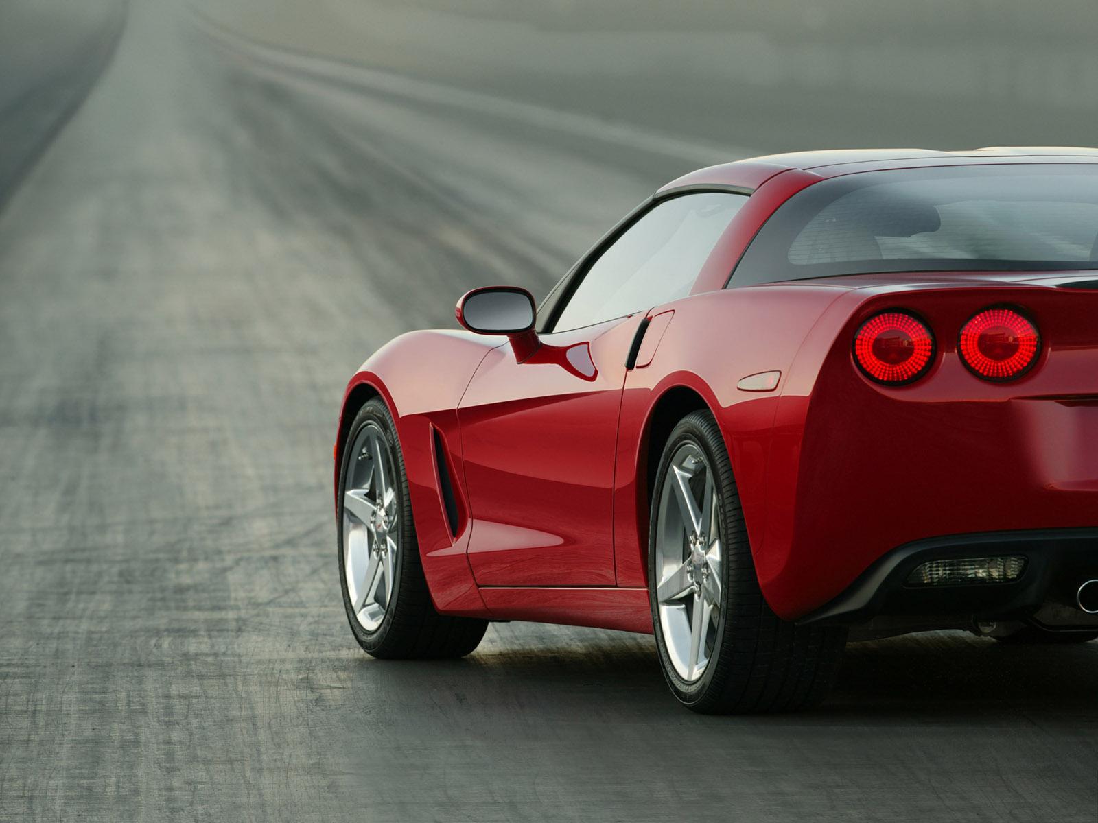 http://1.bp.blogspot.com/-vdzo_NzWNY0/T2HFt3dlvCI/AAAAAAAABeo/XPSmQrWYyqs/s1600/2005-Chevrolet-Corvette-C6-rear-h-1600x1200.jpg