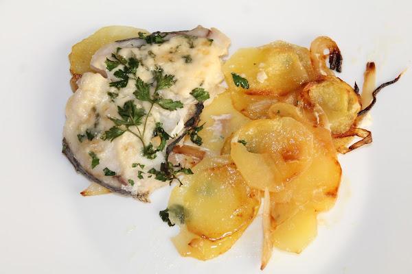 Merluza con mayonesa - Cocinar merluza al horno ...