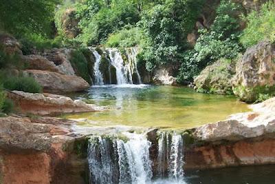 Piscinas naturales que forma el río Matarranya