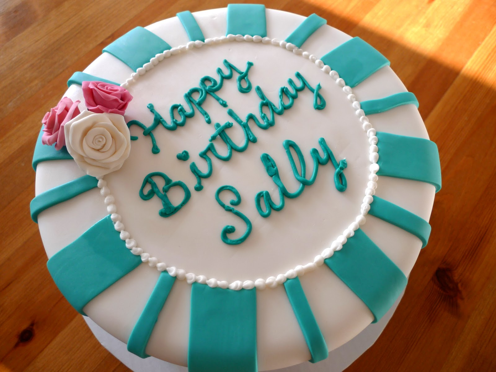 how to put stripes on a cake