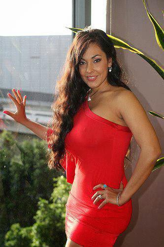 Diva neXT: Nina Mercedez Hot Images