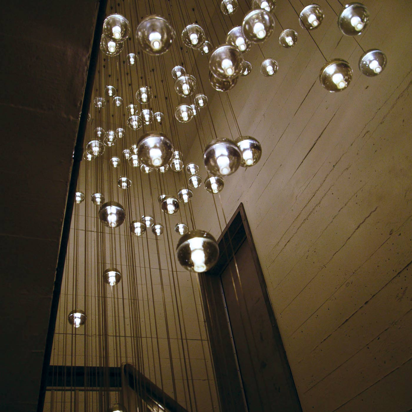 Pendelleuchten f r sehr hohe r ume glas pendelleuchte modern - Flurlampen modern ...