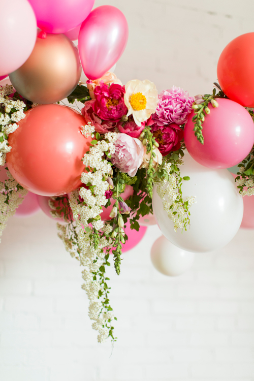 Flamingo Pop. A bridal collaboration with BHLDN and The House That Lars Built. Balloon installation by Brittany Watson Jepsen. Florals by Tinge Floral. Photo by Jessica Peterson.