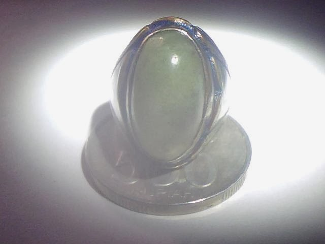 Batu cincin giok lilin